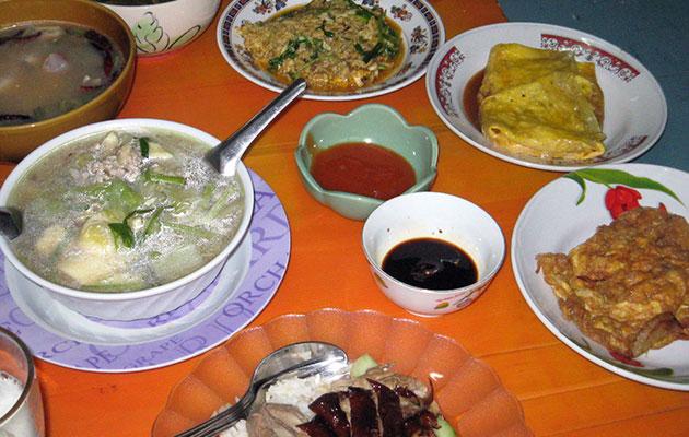 タイ人の家で食べるタイ料理の晩御飯