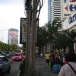 タイから撤退したショッピングセンターのカルフール