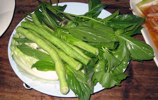 イサーン料理に欠かせない野菜