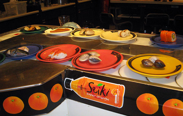 Shabushi の回る寿司と具材