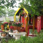 街中で見かける仏様を祭る祠